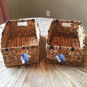 SET OF 2 MATCHING STORAGE BASKETS